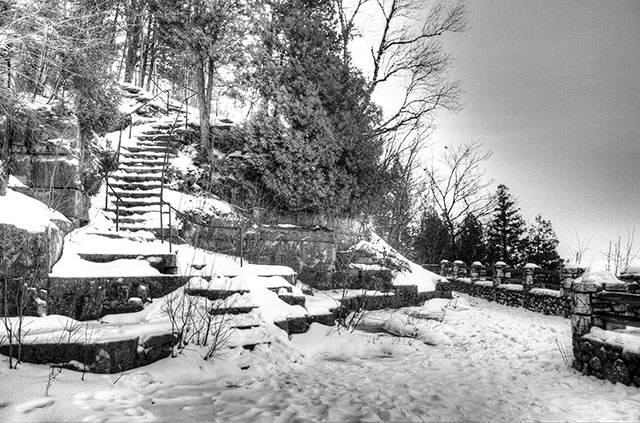 HDR Black White Example